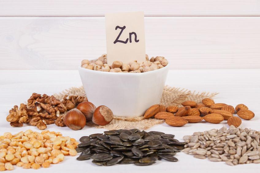Productos e ingredientes que contienen zinc y fibra dietética, nutrición saludable.